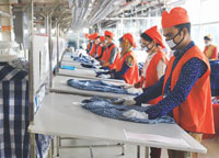 Bangladesh to sustain apparel exports through FDI, mechanised production