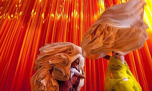 indian textile industry In the international commerce of the pre-industrial era, spices and textiles were  the principal commodities india in particular was known for the quality of its.