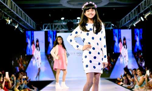 Juniors Fashion Week A W