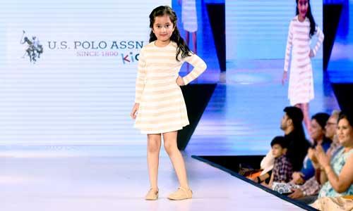 Juniors Fashion Week