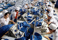 China remains world's top manufacturer as export share declines
