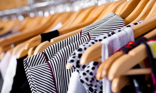 Focus on Sustainability France plans to ban discarding unsold clothing 001