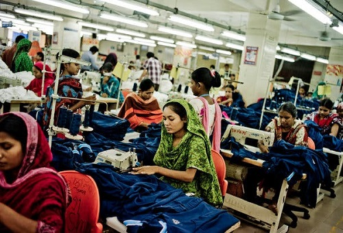 International apparel brands triggers price war in Bangladesh